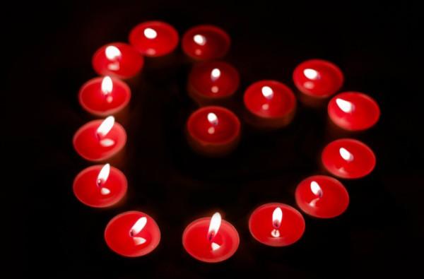 валентинка из свечей